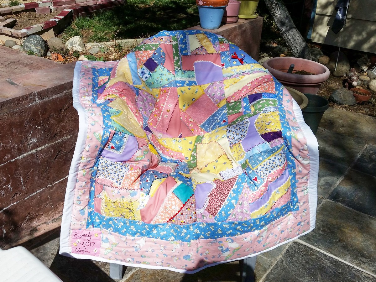 Baby Quilt Vesta Irene made for Baby Kristine